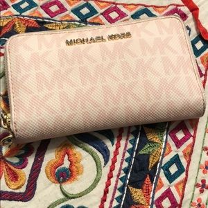 Authentic Michael Kors Leather Wrislet Wallet